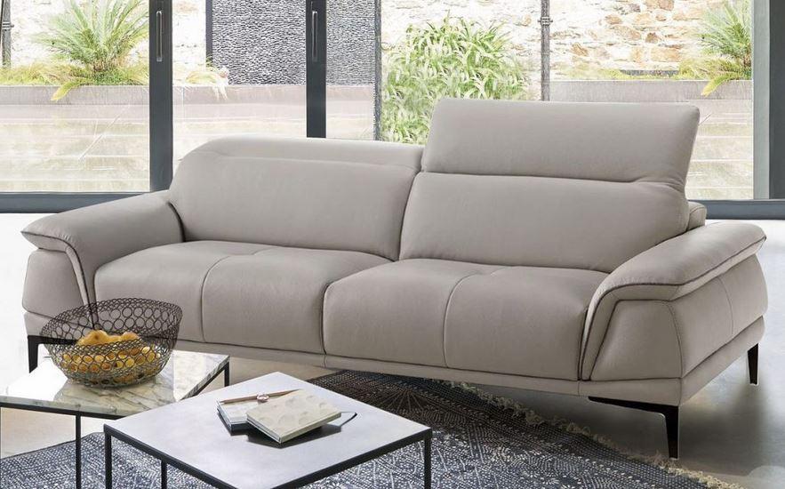 canap en cuir les avantages et inconv nients. Black Bedroom Furniture Sets. Home Design Ideas