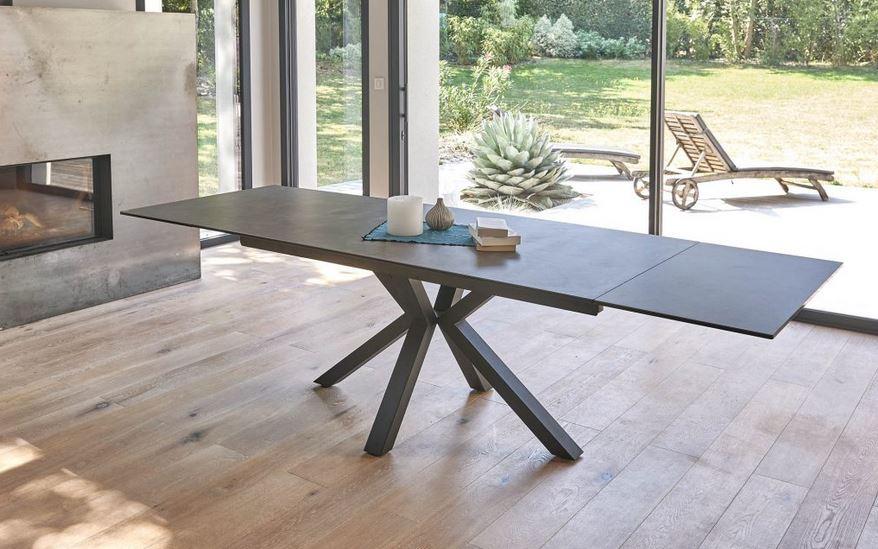 Tables et chaises de salle à manger : osez les dernières tendances et innovations !