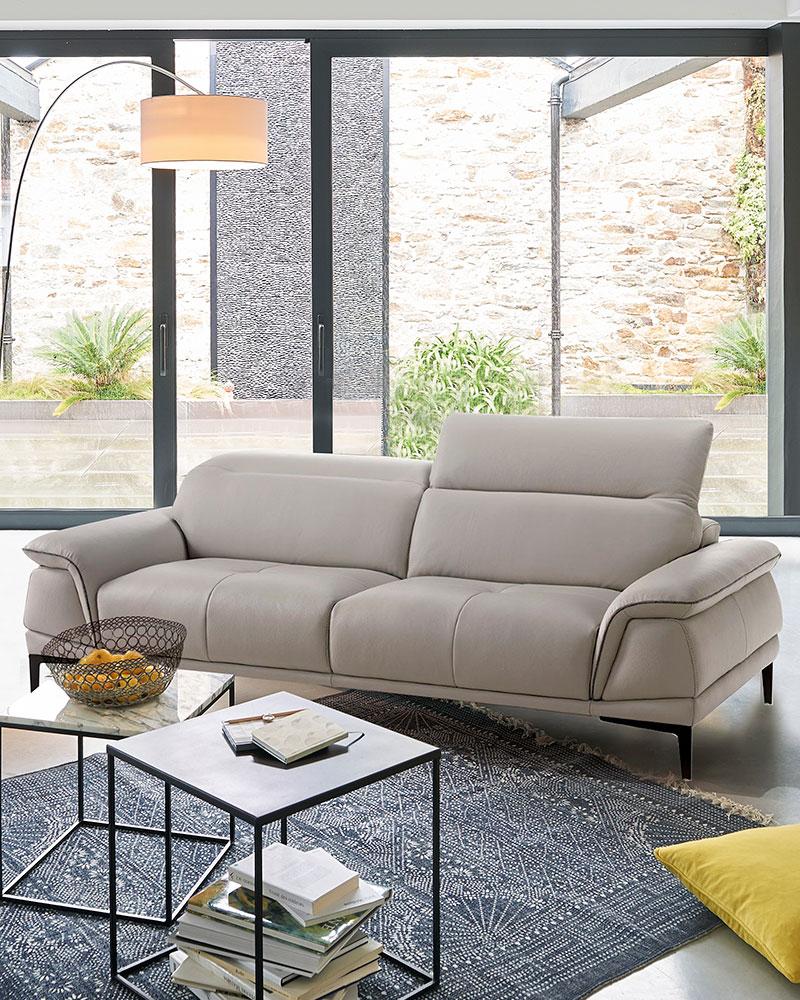 Comment détacher un canapé en cuir clair ?