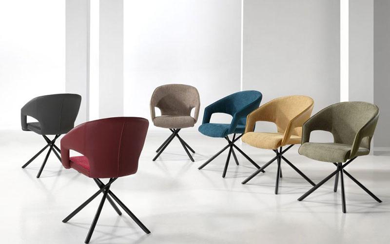 Mix & Match : bien assortir des chaises de salle à manger colorées