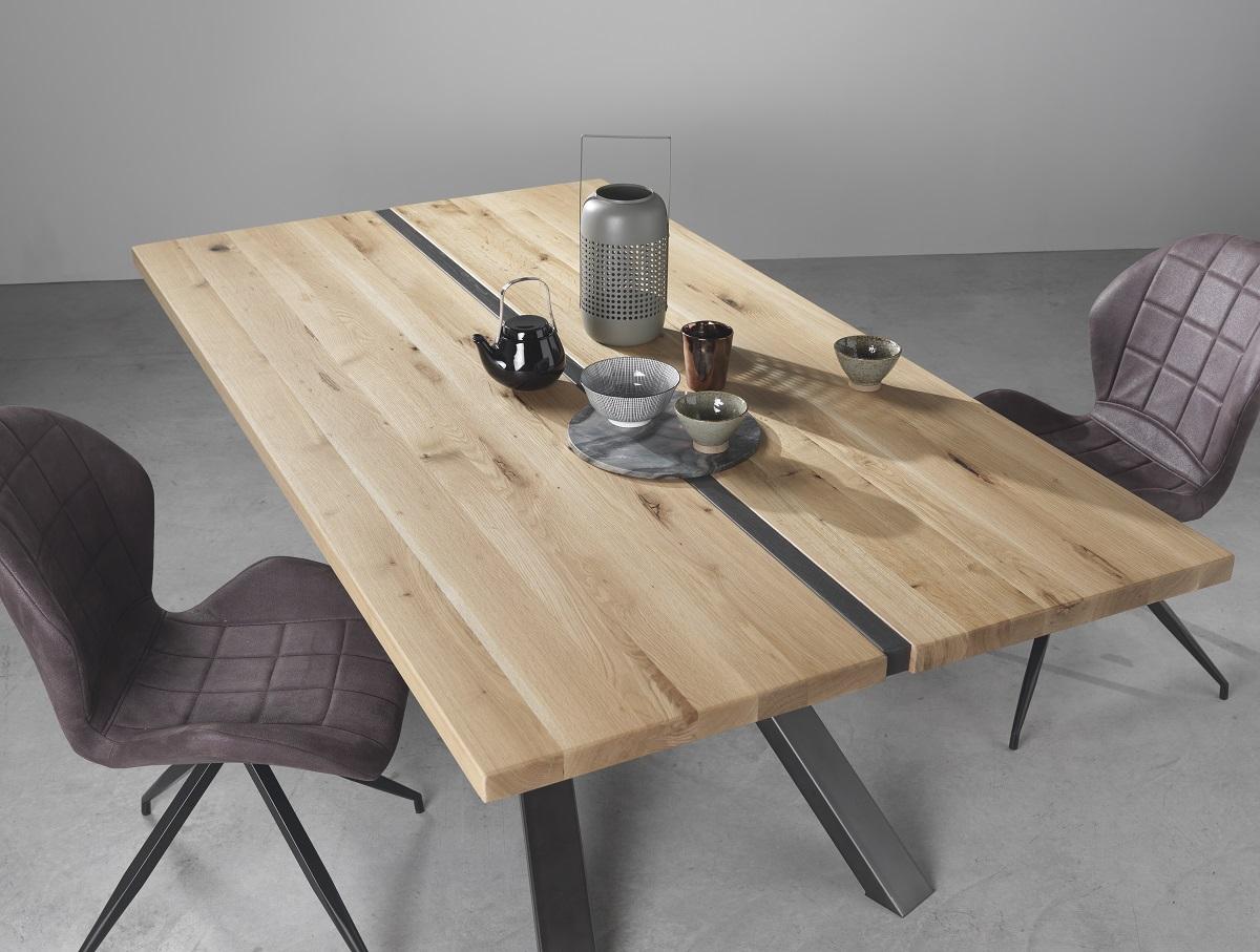 Comment entretenir une table à manger en bois massif ?