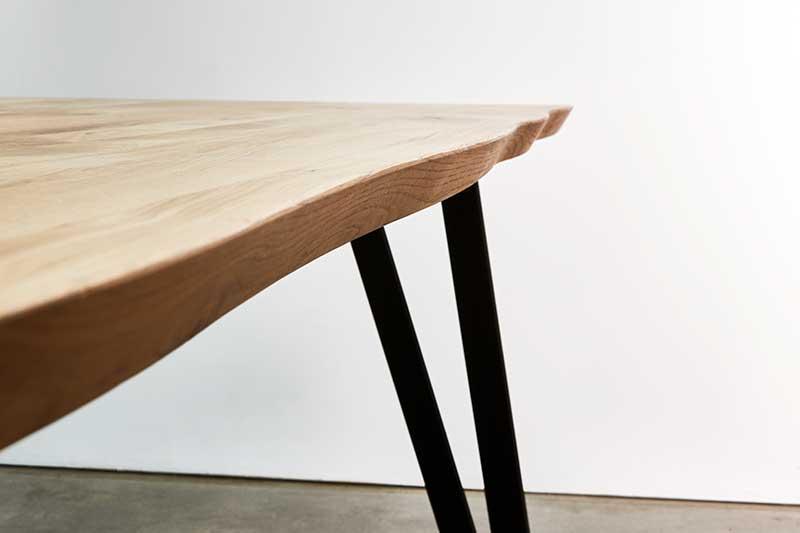 Entretien d'une table en bois massif L'Ameublier